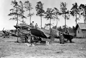 Flying_Tiger_P-40_Kunming