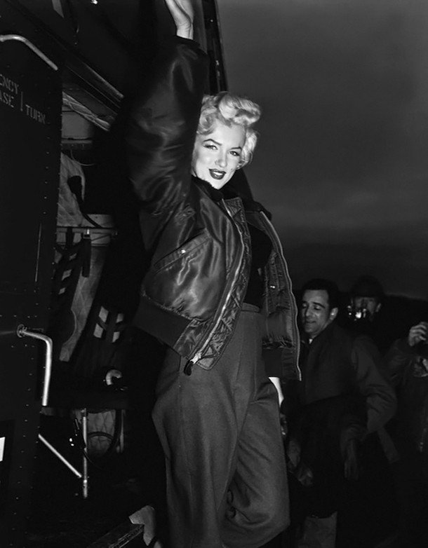 Marilyn-in-Korea-marilyn-monroe-16211643-500-641